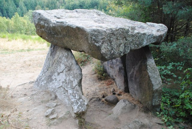 loire-dolmen
