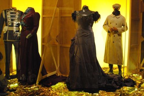 Des costumes dans le Centre National du Costume de Scène.