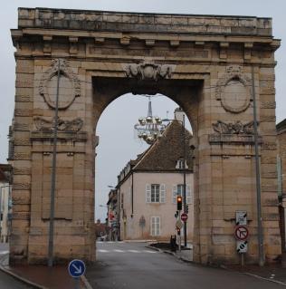 L'arc de triomphe à Beaune.