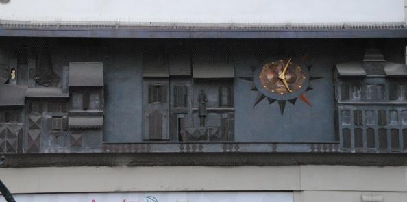 L'horloge murale raconte l'histoire vaudoise.
