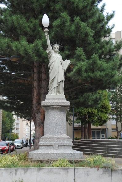 Une réplique de la statue de la Liberté