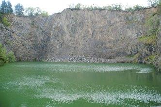 decouvrir orgues basaltiques du Volcan du Montpeloux