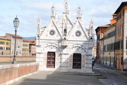 L'église Santa Maria della Spina.