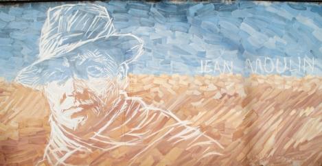 Le portrait de Jean Moulin devant la prison de Montluc.