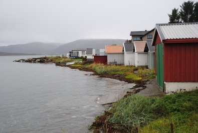 Des cabanes au bord de l'eau