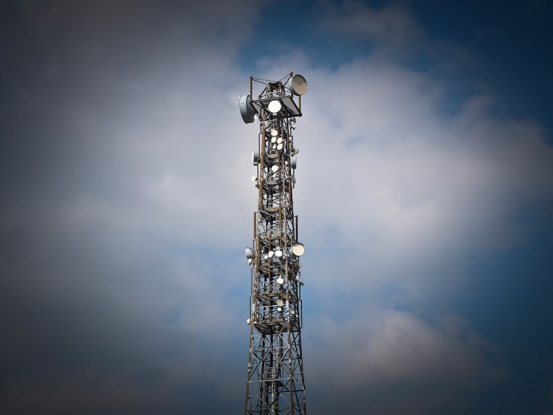 radio-tower-1270871_1920